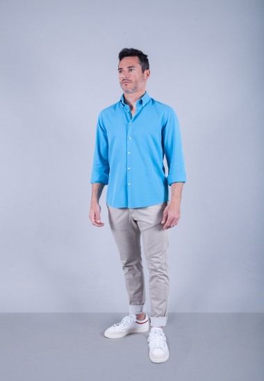 Camisa de hombre Puffy turquesa Patadegayo de calidad sostenible fabricada en España - plano completo