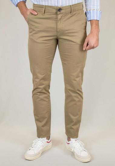 Pantalón  de hombre Romay Patadegayo en color tostado, fabricado en españa, muy comodo y de calidad - detalle delantero