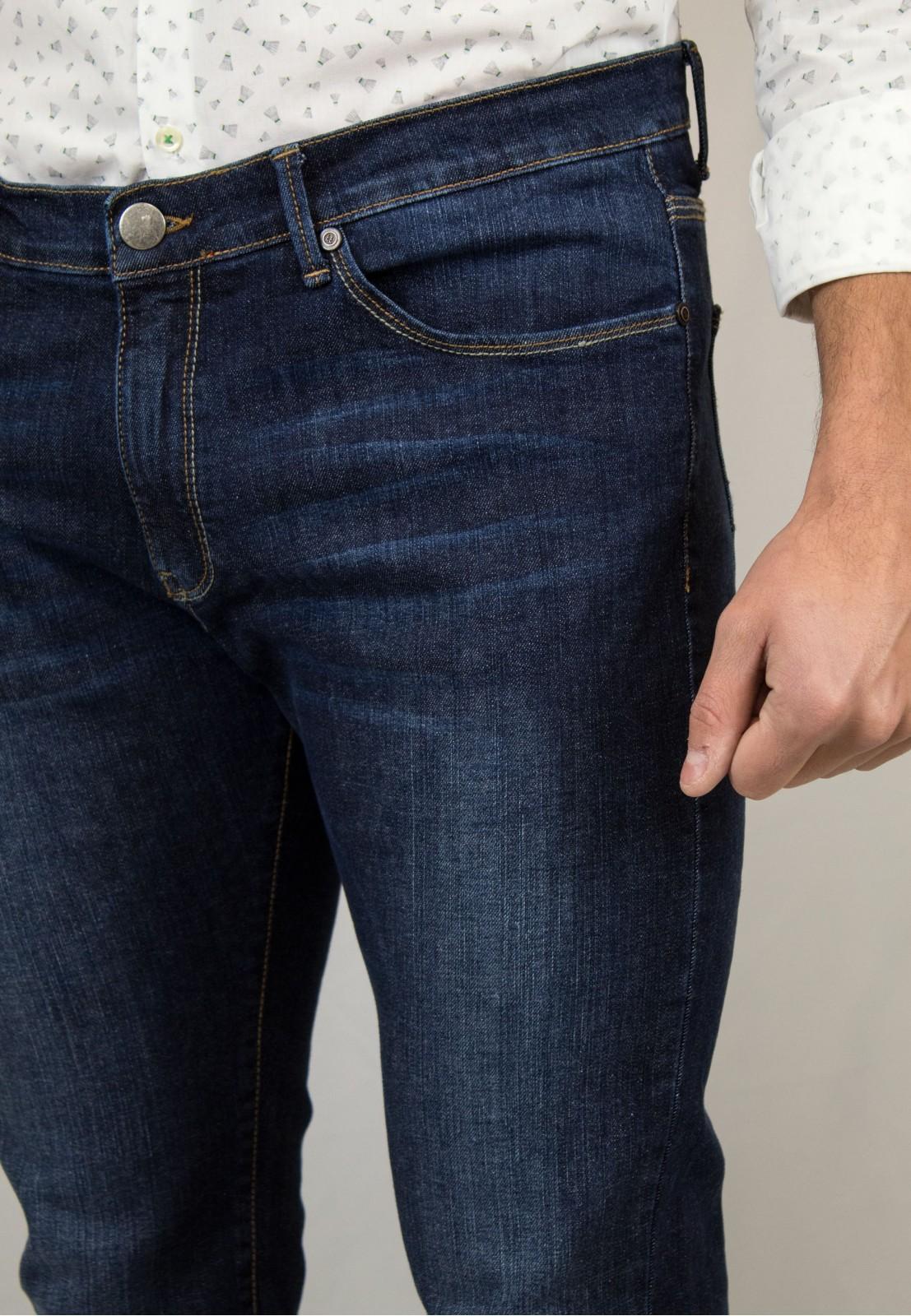 Pantalón vaquero Patadegayo, fabricado en españa, muy comodo y de calidad - plano cercano delantero
