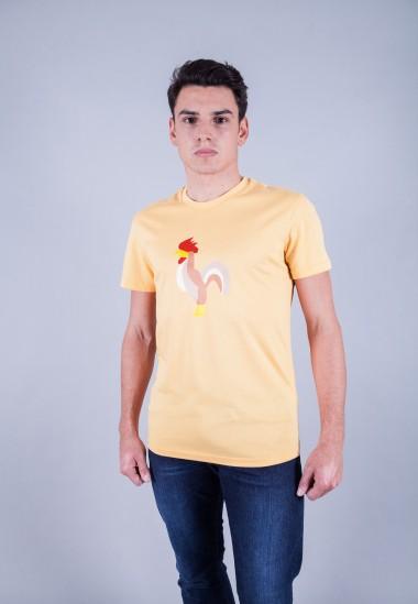 Camiseta de hombre Isa amarilla Patadegayo de calidad sostenible fabricado en España - plano delantero