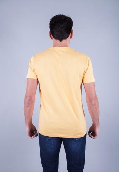 Camiseta de hombre Isa amarilla Patadegayo de calidad sostenible fabricado en España - plano trasero