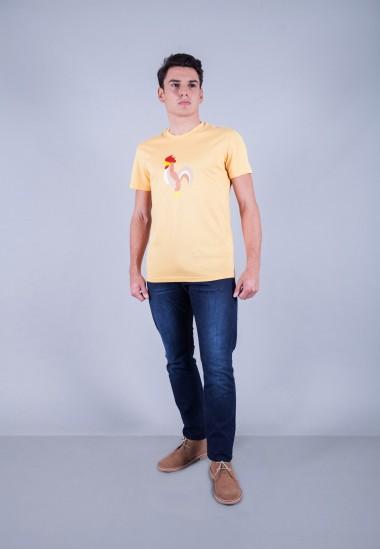 Camiseta de hombre Isa amarilla Patadegayo de calidad sostenible fabricado en España - plano fantasma