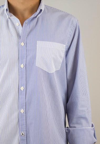 Camisa de hombre Sulivan azul Patadegayo de calidad sostenible fabricada en España - plano iPhone